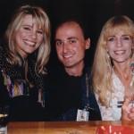 Con Margo Rochelle e Carlene Carter (1997)