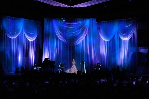 "Carrie Underwood durante la sua esibizione di ""Temporary Home"""