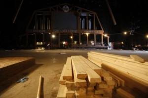 Il palco e l'auditorio della Grand Ole Opry dopo l'alluvione