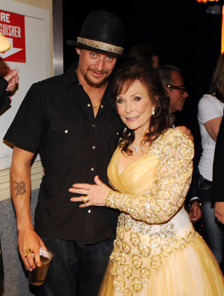 Loretta Lynn con Kid Rock (Foto: Rick Diamond - WireImage)