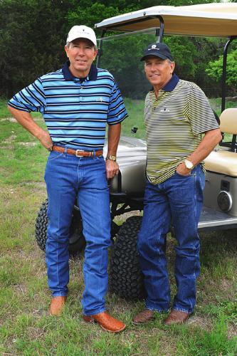 George-Strait con Tom Cusick (Foto PRNewsFoto)